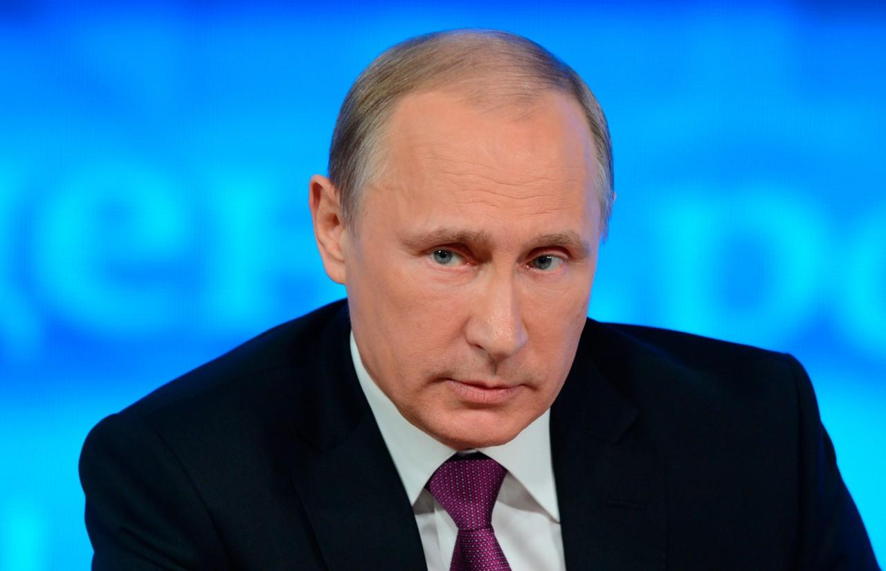 Путин поручил вывести «гаражную» экономику из тени